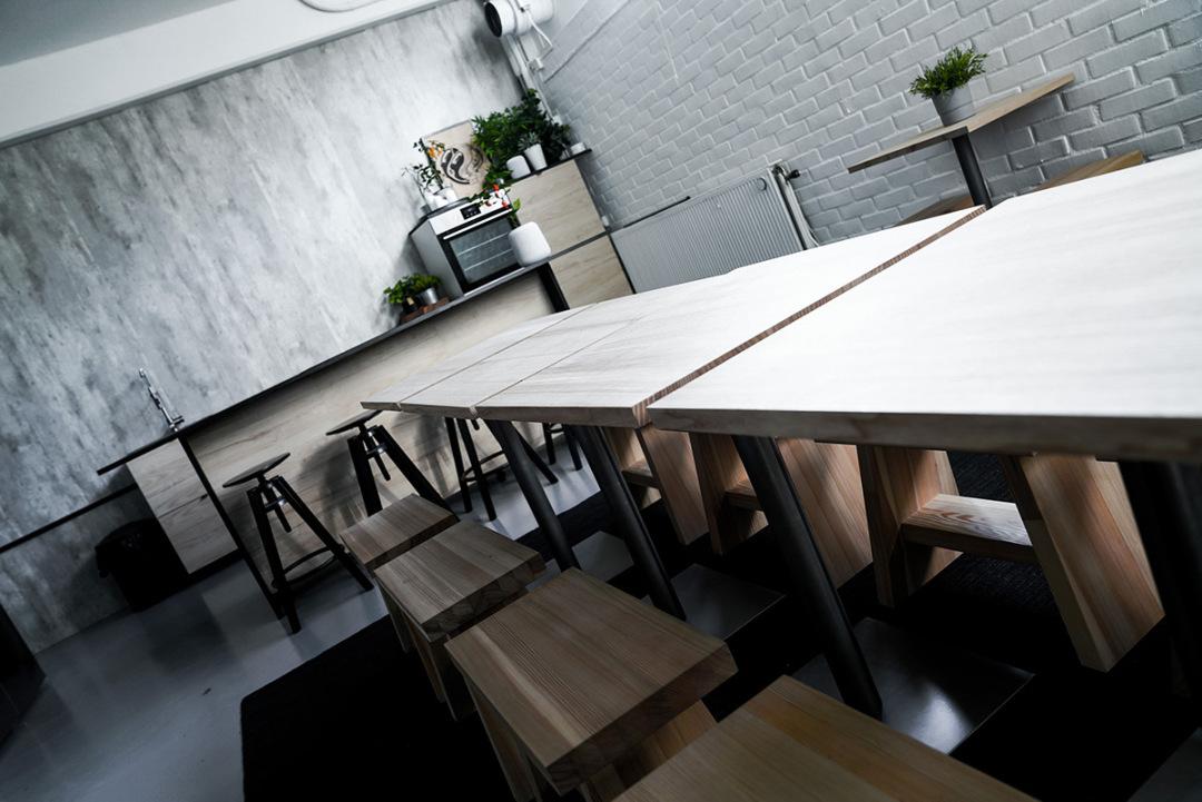 Big South Malmö studiokök för matfotografering vinklar bild på matsalsmöbler