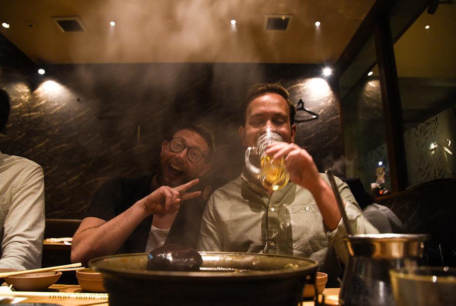 Calle & Carl äter Shabu Shabu