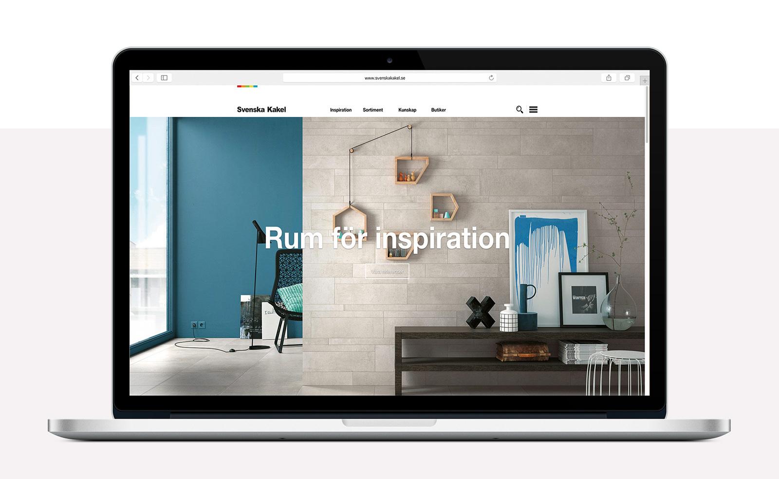 Svenska Kakel webbplats förstasida i Macbook Pro